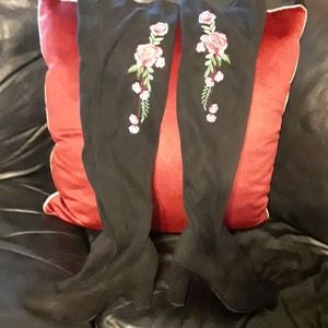 Madden girl tall boots, size 8